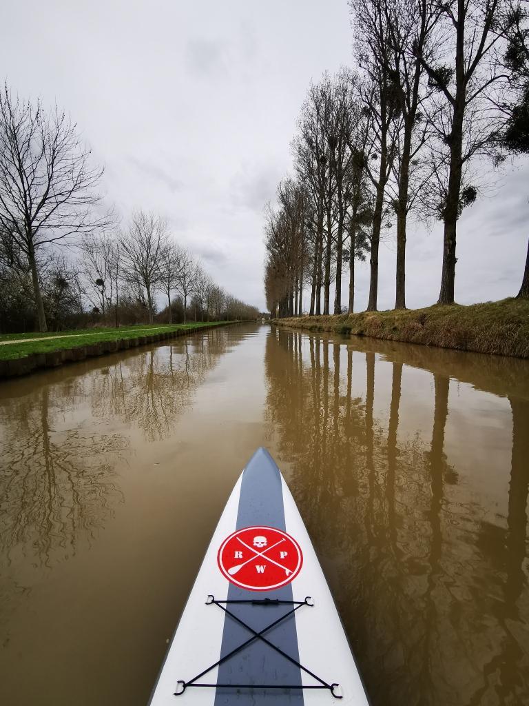 Sur le canal de l'Ourcq, près de l'écluse de Vignely, en Seine-et-Marne.