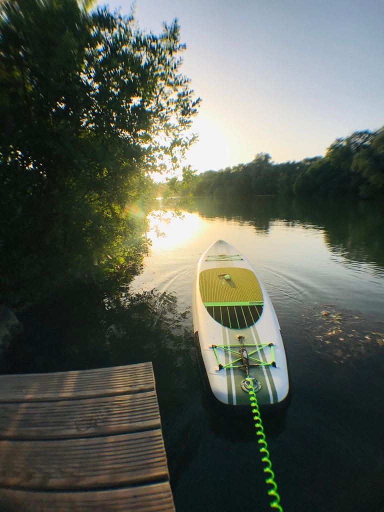 Du côté de Saint-Maur-des-Fossés, dans le Val-de-Marne, la nature se laisse observer depuis le paddle.