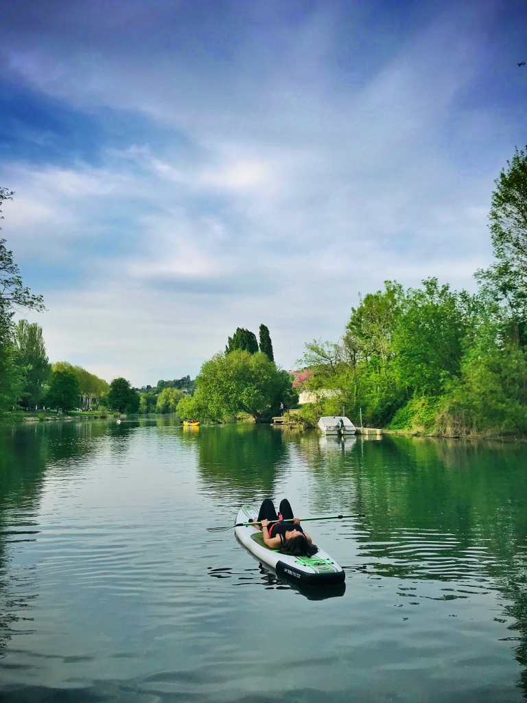 Petits repos bien mérité sur le paddle à Saint-Maur-des-Fossés, dans le Val-de-Marne.