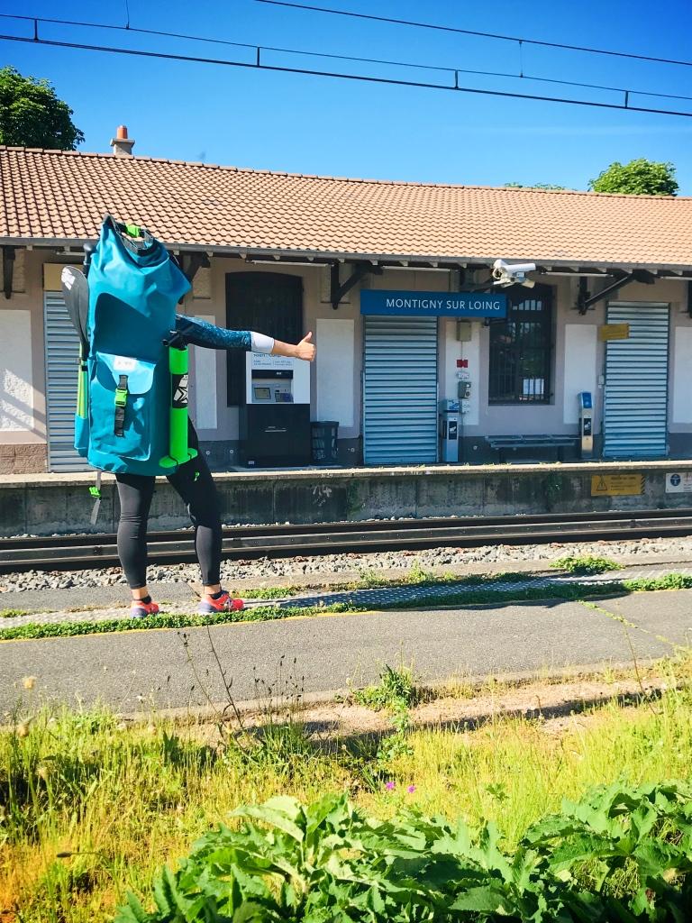 A la gare de Montigny-sur-Loing, fin de la descente en paddle au départ de Nemours